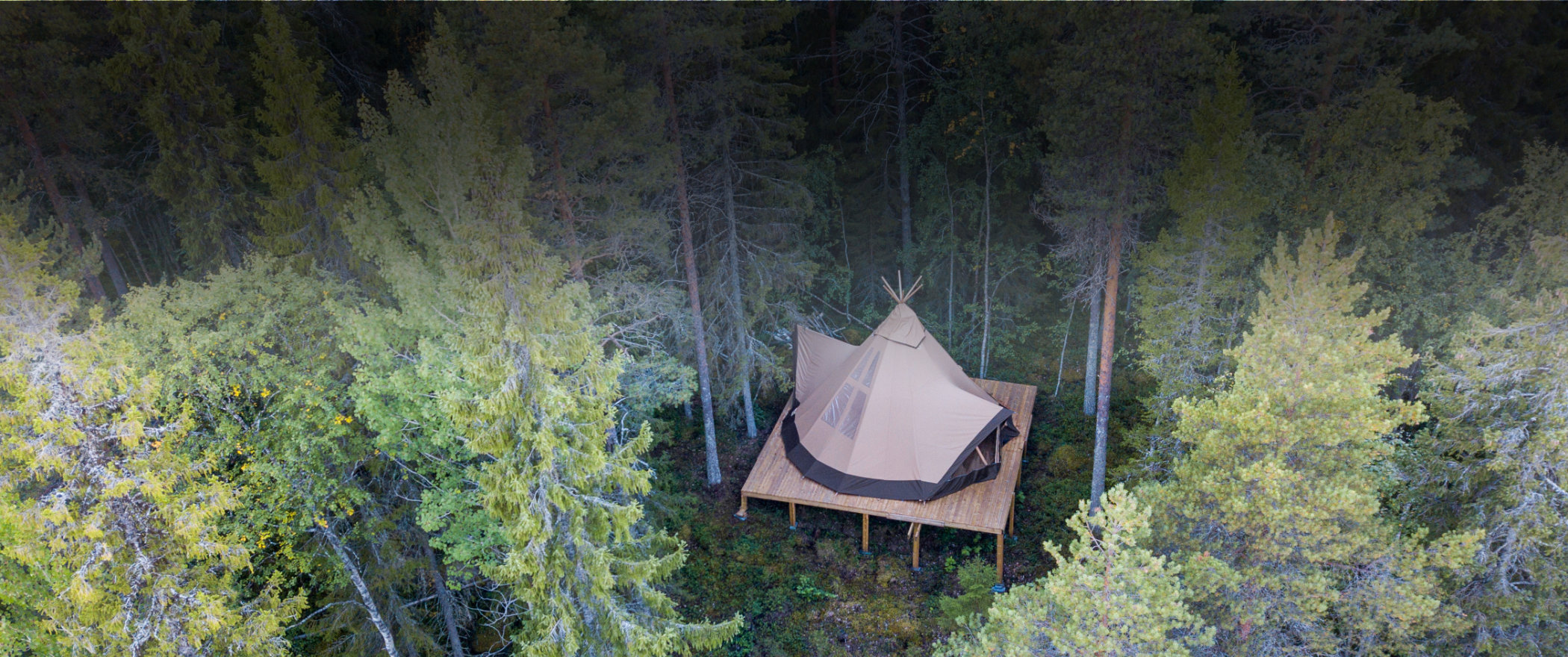 The Nordic tipi Aurum 33 offers a spacious and glamorous glamping tent with unparalleled design